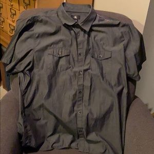Men's casual dress shirt short sleeved